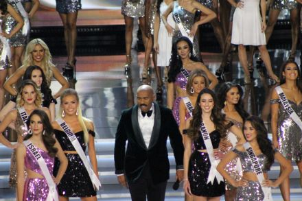 Steve Harvey with Miss Universe contestants